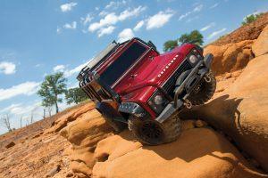 82056-4-Defender-desert-red-front-leaning