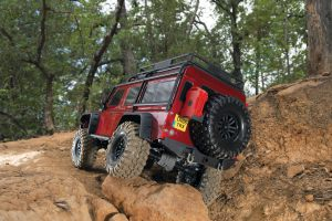 82056-4-Defender-woods-red-rear-low